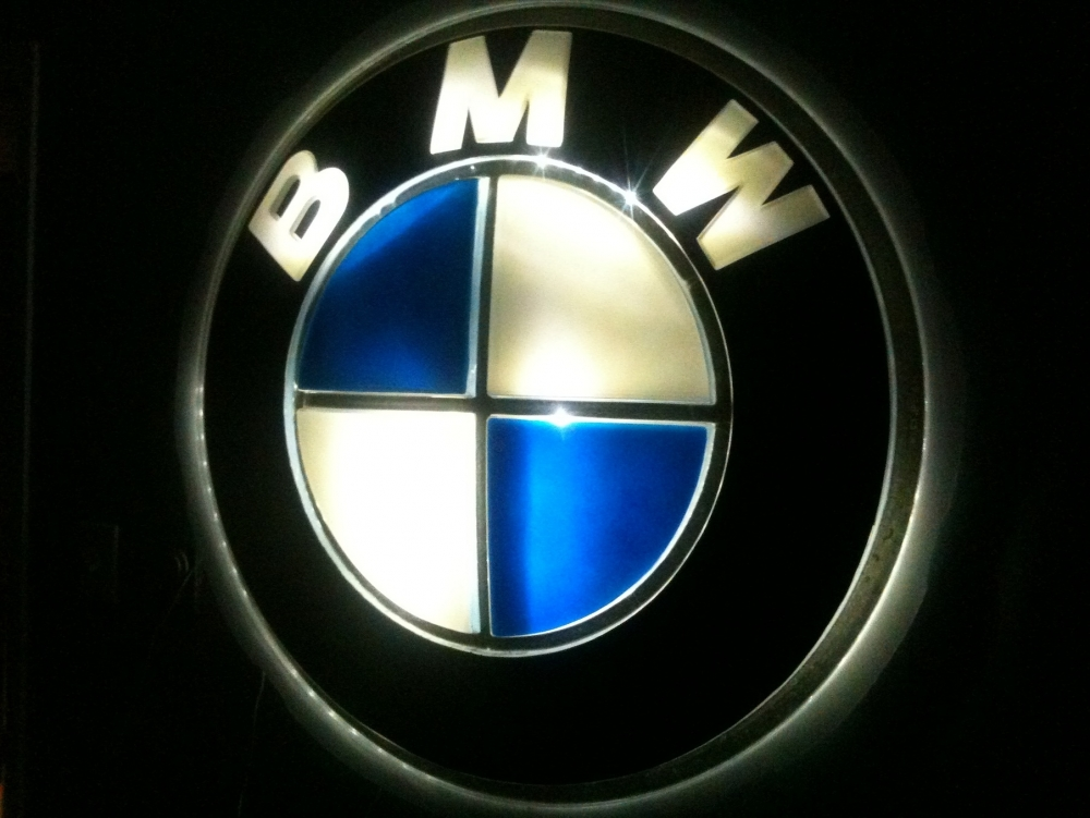 Illuminated Vintage BMW Sign Parts For Sale BMW FAQ - Bmw signs for sale