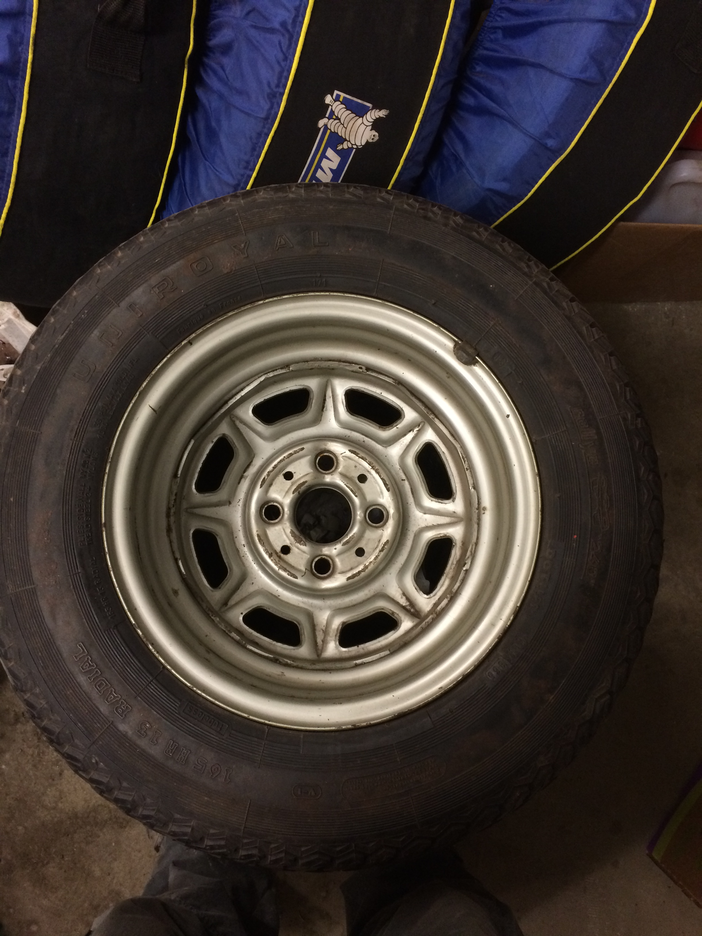 fs spare rimtire hood emblem steering coupler parts  sale bmw  faq