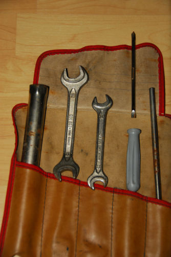 Tool Roll - Brown-Red.jpg