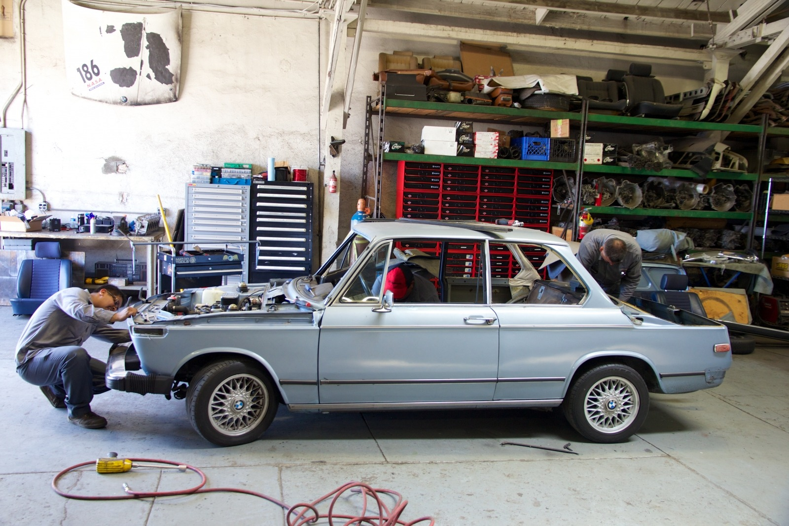 Clarion Builds BMW 2002 CoupeKing Teardown 13250