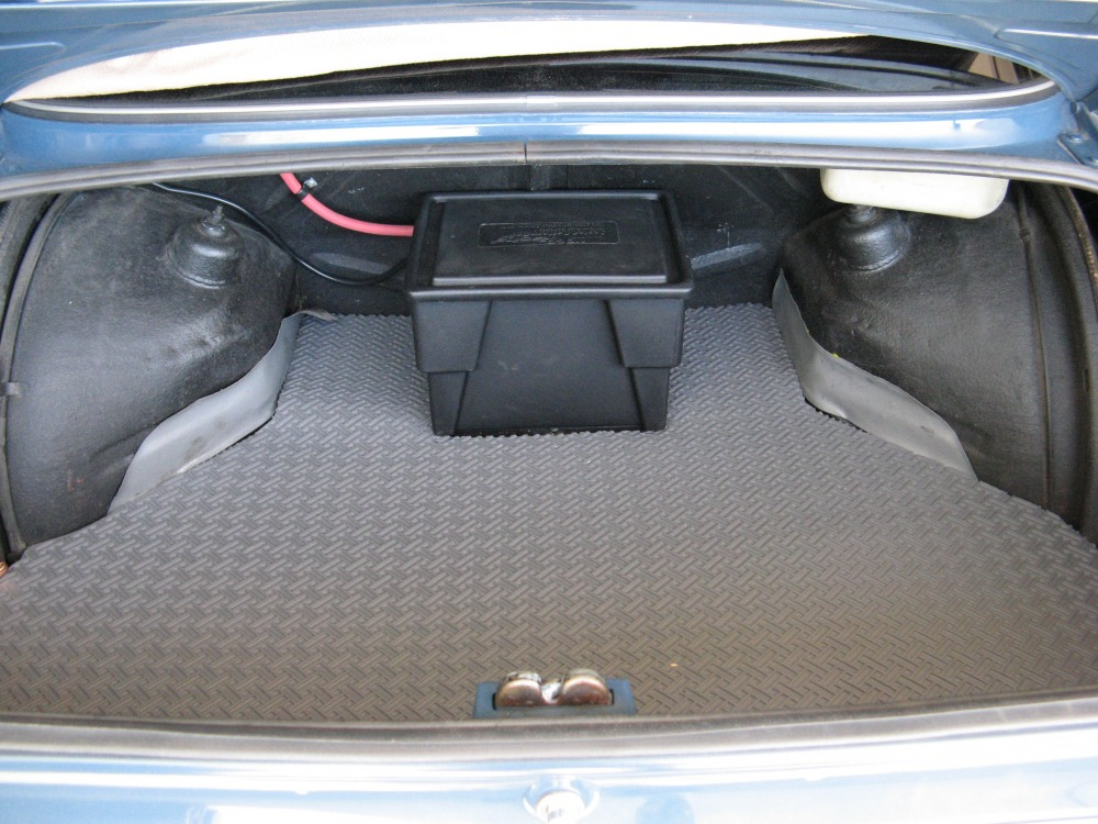 TRUNK with sealed battery case.JPG