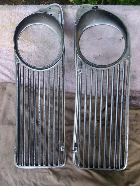 BMW 74 rear side head light grill set aluminum.jpg