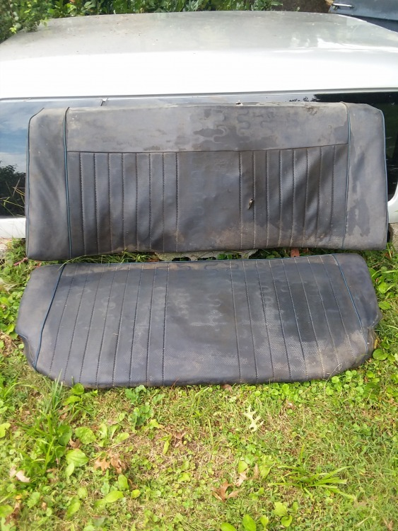 BMW 1974 rear seats, blue.jpg